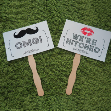 OMG! We're Hitched Photoshoot Prop image