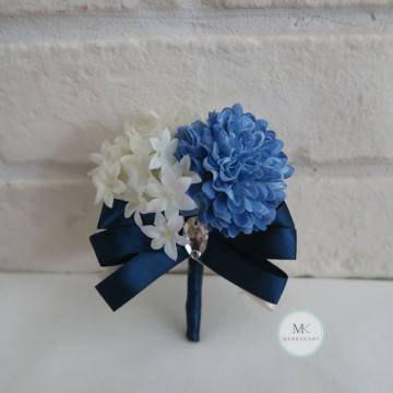 Korean Flower Boutonniere image