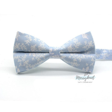 Floral Bow Tie in Light Blue image